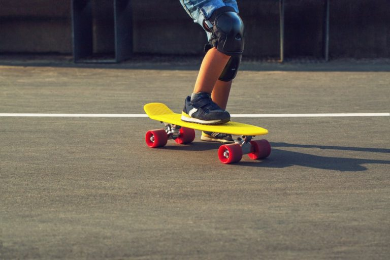 Best Cruiser Skateboards For Beginners