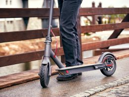 Top 12 Best Self Balancing Scooters & Hoverboards 2019 – Buyer's Guide