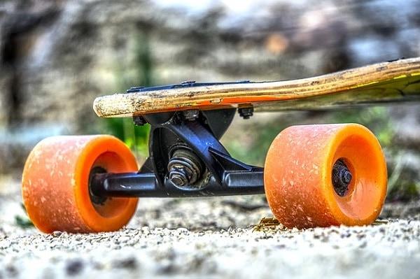 Can you fit longboard wheels on a skateboard